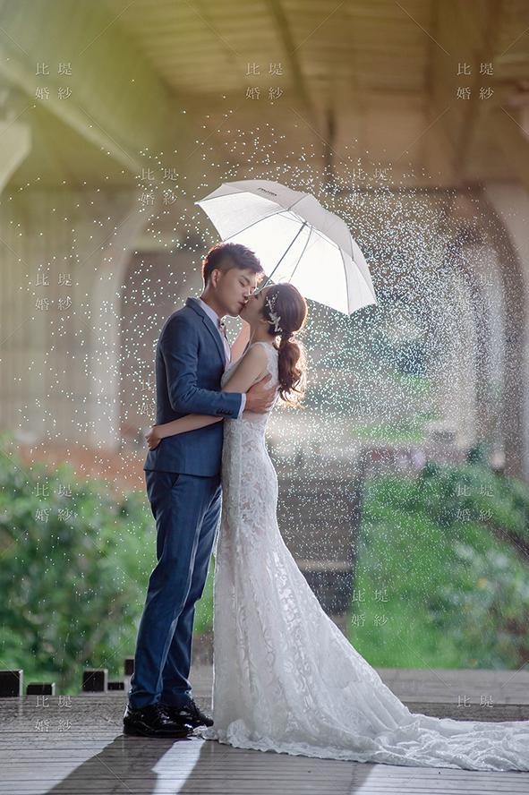 比堤婚紗 推薦新人:孟剛&瓊姿 雨天親吻