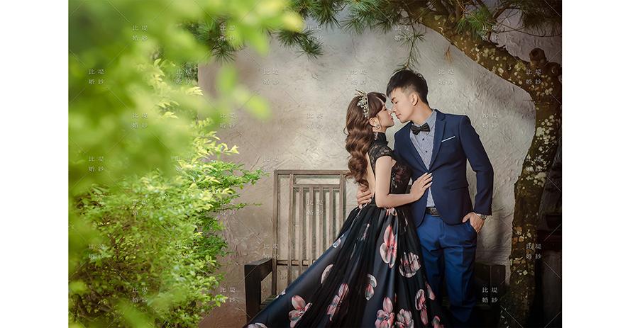比堤婚紗 推薦新人:Mr. Lo&Mrs. Weng 黑色花布晚禮服