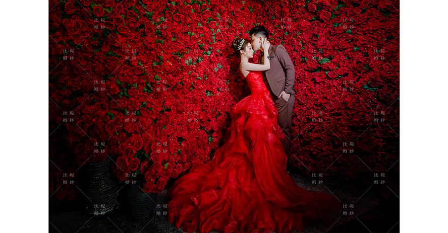 台中婚紗 工作室 比堤婚紗 推薦新人:建翰&育珊 紅色玫瑰花牆